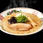 吟醸煮干 灯花紅猿 - 紅猿自慢の熱々背脂煮干らぁ麺です!