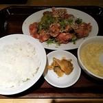 ドラゴンデリ - 鶏から揚げ香味だれ定食(油淋鶏)全体