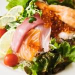 イクラ入り番長海鮮サラダ