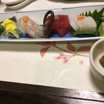 83775115 - 向附 鯛、鮪、サーモン、烏賊 ♤肉厚で美味しい(^^)♡