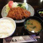 83783971 - 沖縄島豚ロースかつ定食。