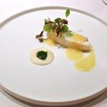 83784224 - 本日の鮮魚:真鯛のソテー。パイナップルとマスタードのソース