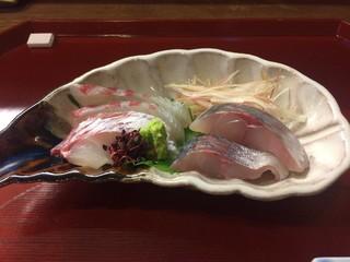 ふじ居 - 神経締めした鯛 アジ