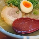 らーめん 北の大地 - 澄んだ塩スープ