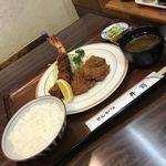 とんかつ 井筒 - 料理写真:ミックスフライ定食 エビフライとヒレカツ 1250円