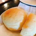 ビストロ フェリーチェ - パン(150円:税込)