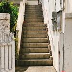 ビストロ フェリーチェ - この階段の上です