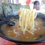 83796058 - 麺は太麺