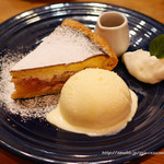 GRANNY SMITH APPLE PIE & COFFEE - ストロベリーチーズケーキアップルパイ
