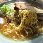 ふく寿 - 低加水率の中太縮れ 加藤麺