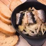 83798650 - イワシと季節野菜の鉄パン焼き