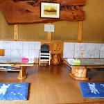 海侍 - 小上がり席にはベビーチェアなど完備