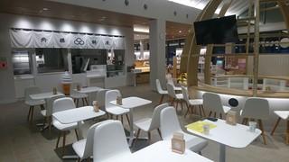 かもめテラス 三陸菓匠さいとう 総本店 - えんがわカフェ&齊藤餅屋