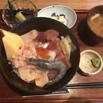 マグロダイニング 蒼 - 海鮮丼(上)2300円
