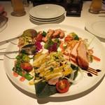 83807104 - 前菜の盛り合せはメルバトーストに添えられた鶏レバーペーストやポークタンのあごだし醤油漬けにハニーマスタードを添えた物等様々な美味しい前菜の盛り合わせ。