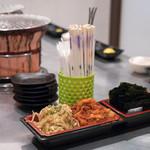 焼肉ヒロミヤ - 2018.3 白菜キムチ、もやしナムル、韓国海苔
