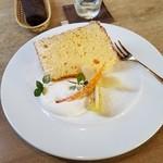 優しい時間 - 料理写真:「柚子と生姜のシフォンケーキ」