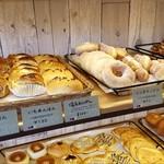昇匠 SHOW BAKERY - 甘そうなパンもありました