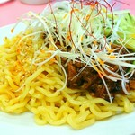 亀戸やきそば - ピリ辛ジャージャー麺 680円