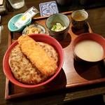 モンストロ バーベキュー - コスパも抜群、「コンボ丼壱 (780円)」