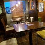 モンストロ バーベキュー - テーブル席の様子