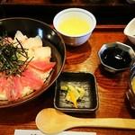 稲月 - 三色海鮮丼