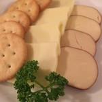 83821632 - チーズ盛り合わせ