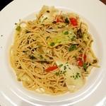 SALVATORE CUOMO & BAR - しらすと春野菜のペペロンチーノスパゲッティ