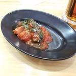 ブルシット - シメジとかハムとかをトマトっぽいソースで絡められてます