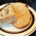 欧風小皿料理 沢村 - 自家製パン
