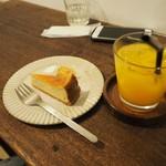 デモッソ・ノット・キーノ - チーズケーキ+ドリンク