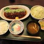 嬉しや - 上みそかつロース膳(1,750円税込)は、ご飯、みそ汁、キャベツはそれぞれ1回、お代わりできます。