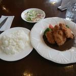 カフェレストラン ぼなんざ - 料理写真:ブダカットレット。優しいデミgソースと粒マスタードがイカす。