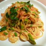 83828366 - 帆立貝と海老と菜の花のスパゲティー