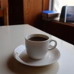 ラウンドカフェ - 苦味のある珈琲