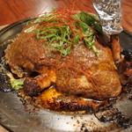 鍛冶屋 文蔵 - 鶏ももの文蔵焼き(745円)