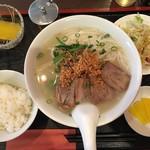佑佳 - ベトナム風チャシュー入りのフォー