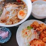 四季紅 - 料理写真:醤油ラーメンセット