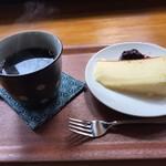 森のカフェ くるみ工房 - 料理写真:こころブレンドとケーキ