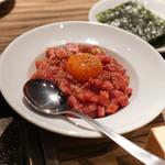焼肉 ジャンボ - ユッケ風、こま切り焼き