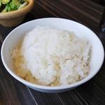 カルビ一丁 - ライスとスープはおかわり自由。