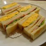 83841846 - サンドイッチのアップ