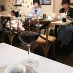 アネア カフェ - 平日ですが満席 @10pm