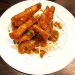 點點心 - (追加)キャベツの千切りon エビのピリ辛料理