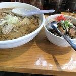だるま亭 - 料理写真:味噌ホルモンラーメンとセットのミニチャーシュー丼