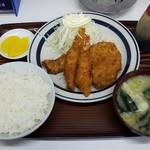 食事処 三平 - ミックスフライ定食(650円)です。