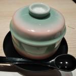 おたる政寿司 - [料理] 雲丹入り茶碗蒸し (蓋を取る前)