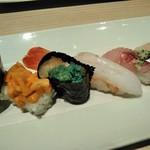 おたる政寿司 - [料理] 馬糞雲丹・海老の身と卵 軍艦巻き・牡丹海老・ニシン