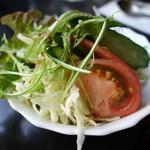 パーラージロー - ドリアに付くサラダ(中華ドレ)
