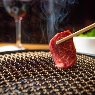 一切れで肉本来の美味しさを味わう!
